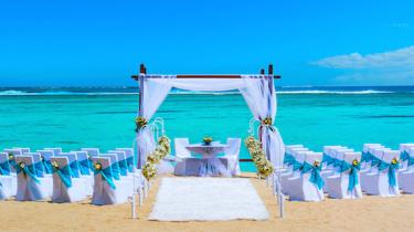 Как правильно организовать и провести свадьбу за границей?