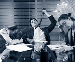 Куда обратиться с жалобой на работодателя: в прокуратуру или в трудовую инспекцию