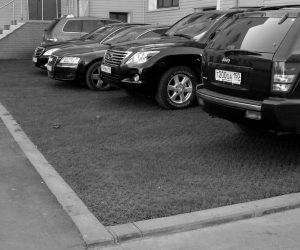 Мособлдума увеличит штрафы за парковку на газонах