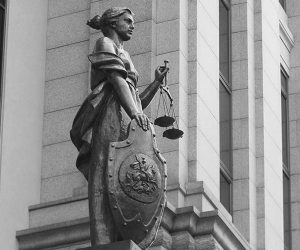 Суды перенесут в другие регионы