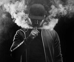 Курильщикам и вейперам - по курилке