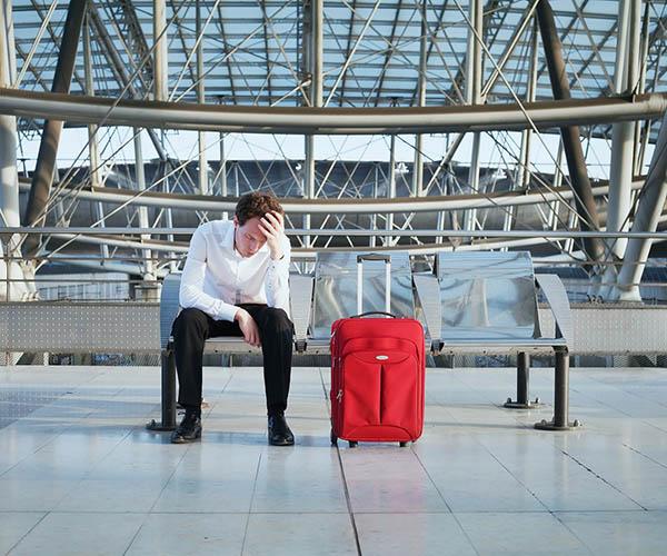 можно ли приставам выезжать за границу