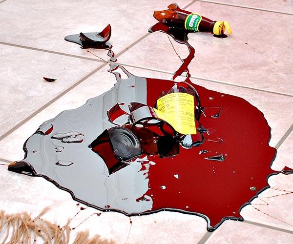 разбил бутылку в магазине кто платит