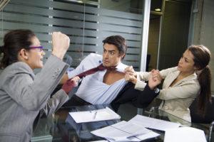 Непрофессионально писать жалобу на коллегу